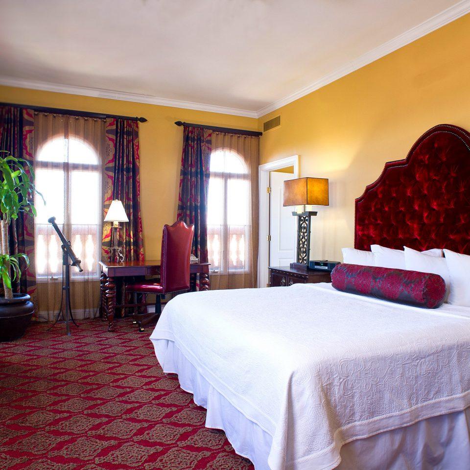 Bedroom Tropical property Suite red Resort Villa cottage