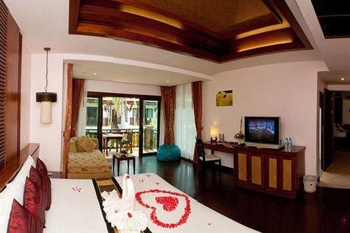 property Villa Suite Resort home cottage living room mansion Bedroom