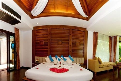 property Resort Suite white swimming pool Villa cottage Bedroom