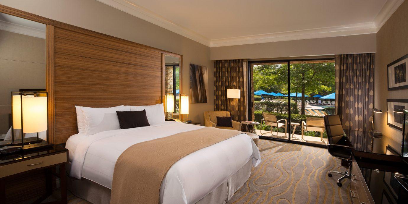 Bedroom sofa property Suite home cottage living room Villa Resort condominium flat lamp