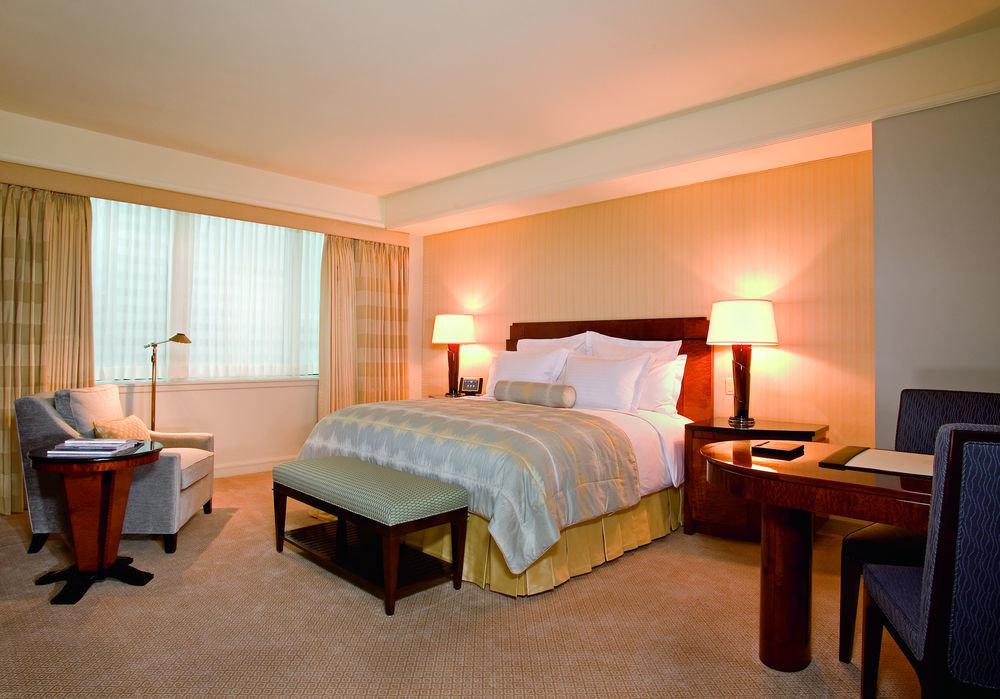 Bedroom property desk Suite cottage Villa Resort lamp