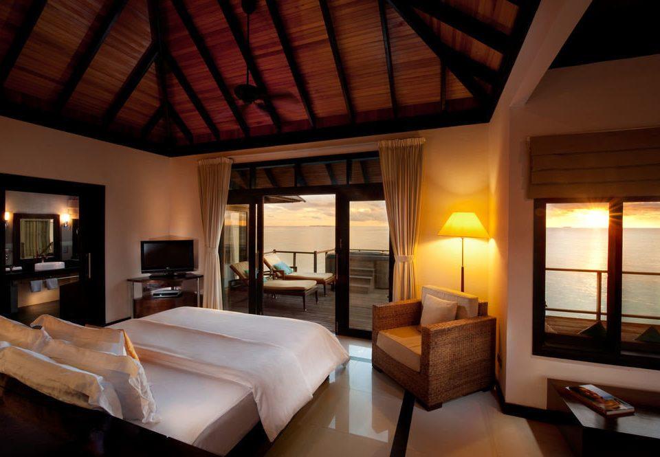 property Bedroom Suite Resort Villa cottage living room