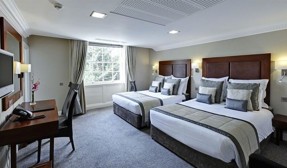 Bedroom property Suite condominium cottage Villa living room Resort flat