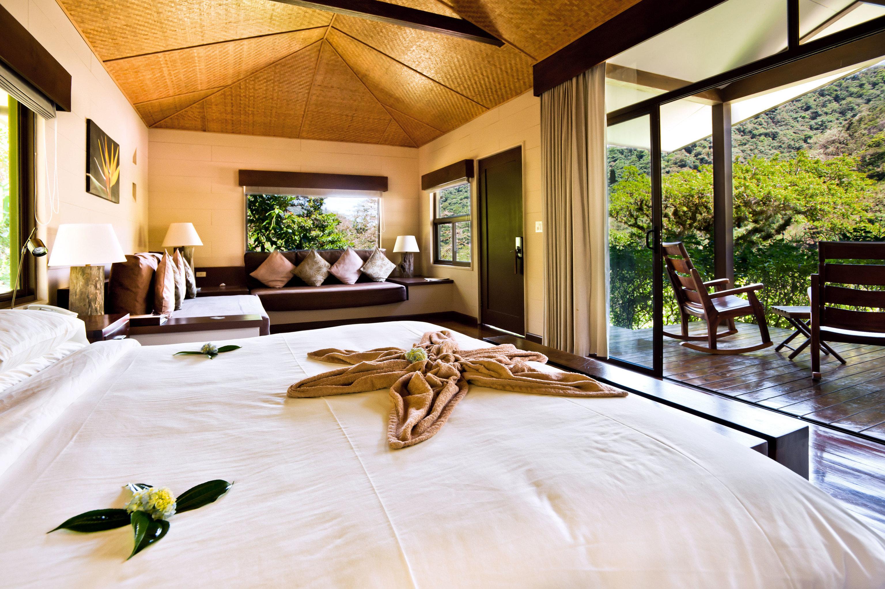 property home Resort living room Villa farmhouse Bedroom mansion Suite bedclothes cottage