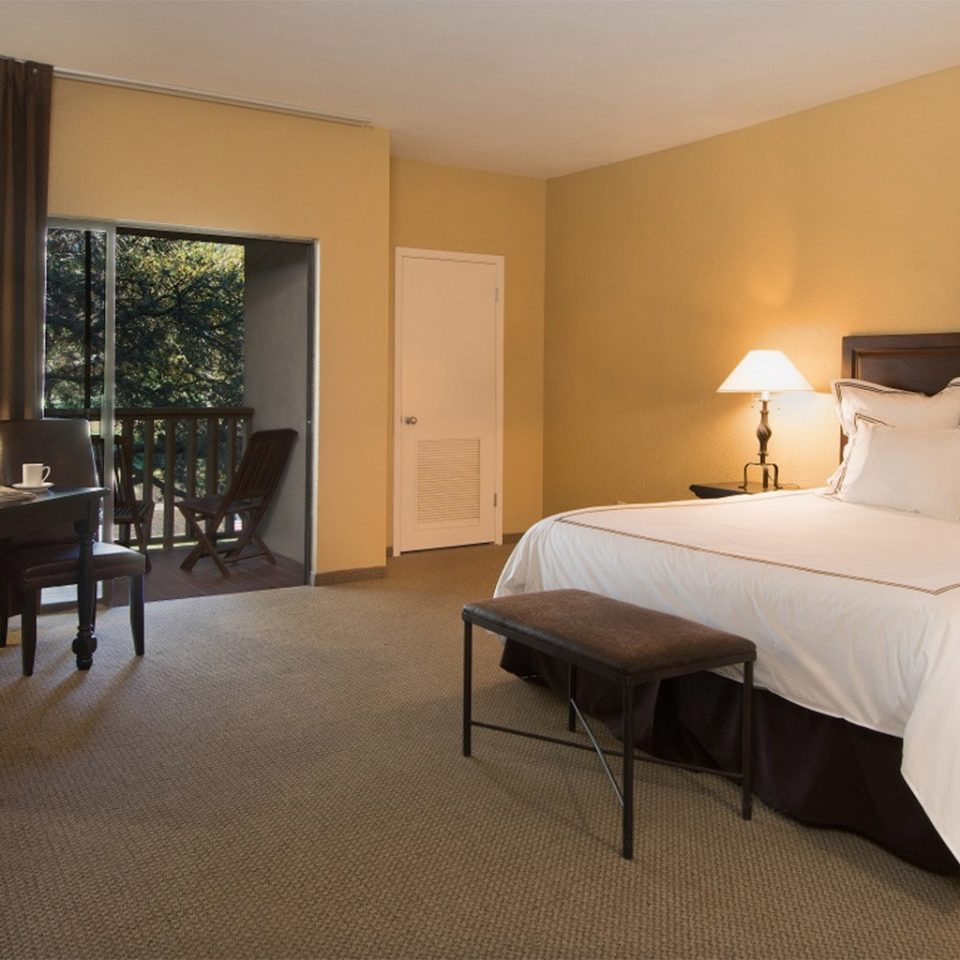 Bedroom property Suite cottage Villa condominium Resort living room lamp