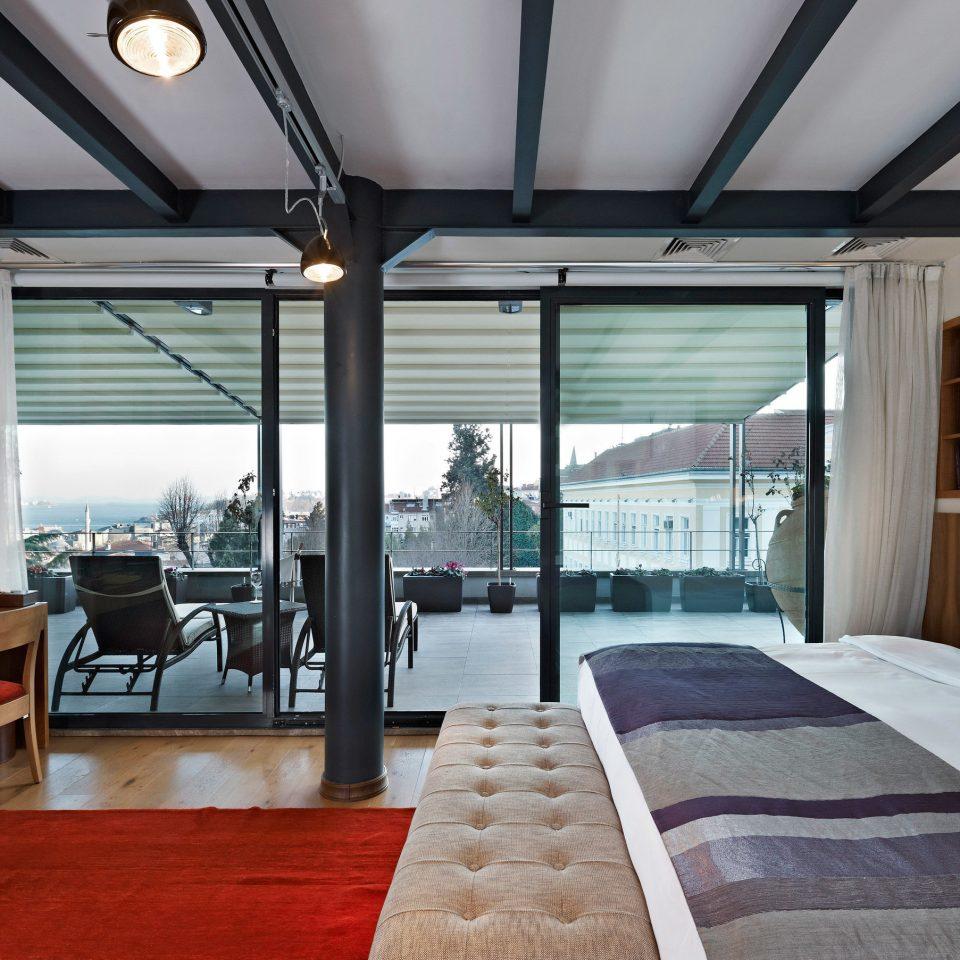 property condominium home Resort Bedroom vehicle Suite cottage Villa yacht living room mansion