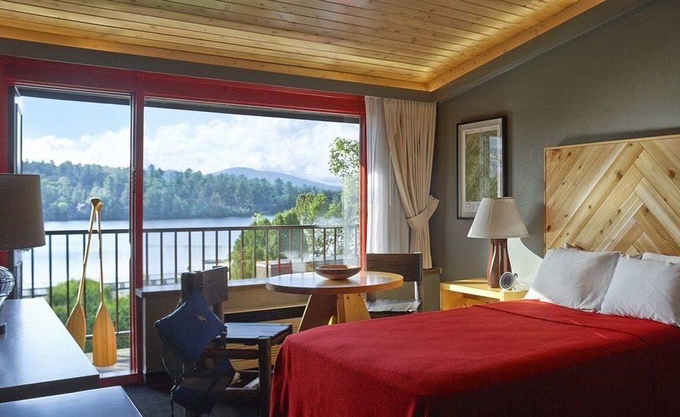 property Bedroom Suite Resort cottage Villa living room lamp