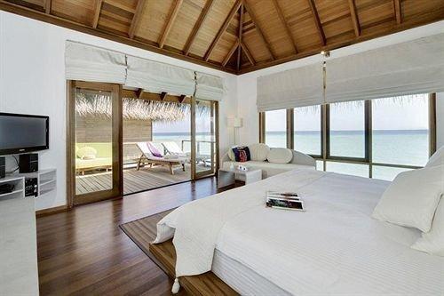 property Villa Bedroom cottage home Suite Resort living room