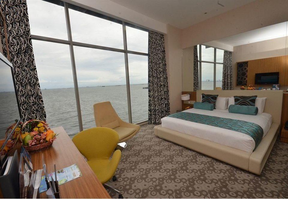 property Suite Bedroom home Villa cottage Resort condominium living room