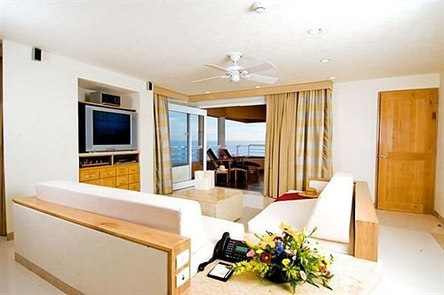 Resort property Suite home cottage condominium living room Villa Bedroom flat