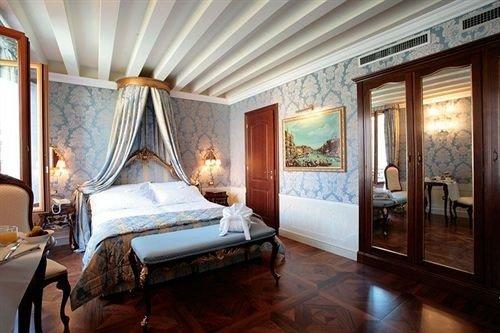property mansion Bedroom Suite living room Resort Villa cottage