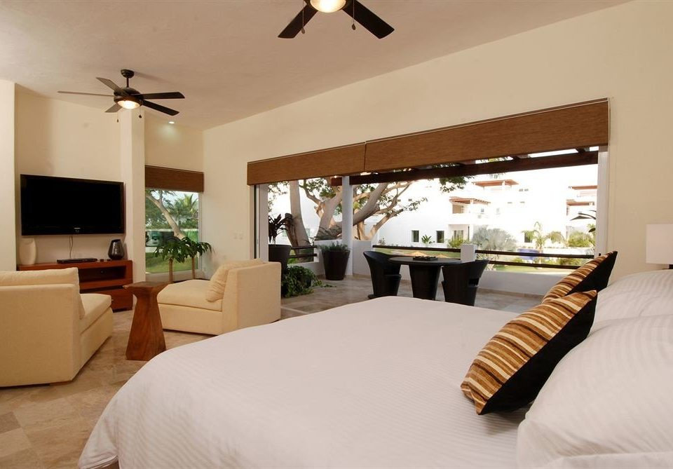 property Bedroom Suite Villa living room home condominium Resort cottage