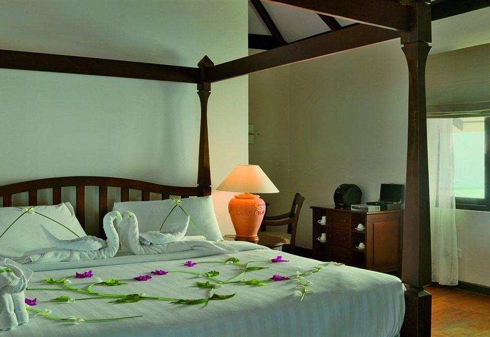 property Bedroom Suite pillow cottage Resort Villa
