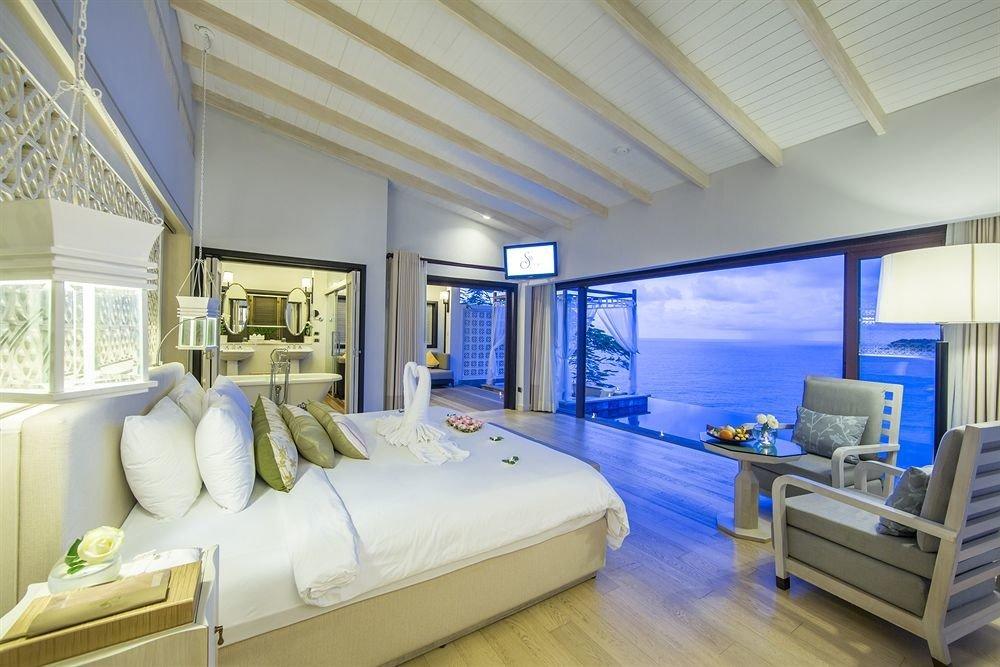 sofa property condominium living room Bedroom home Suite mansion Resort Villa