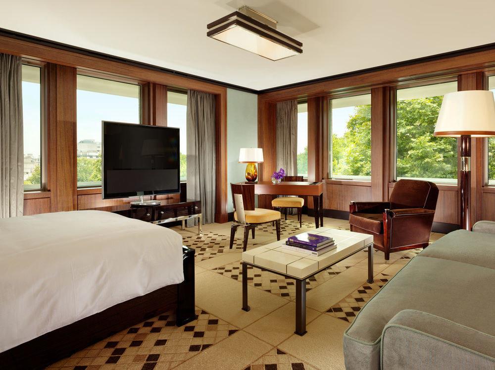 sofa Bedroom property Suite living room home condominium Resort Villa cottage flat