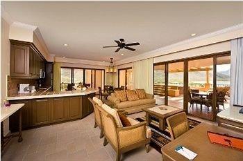Resort Suite property condominium living room home Villa cottage mansion Bedroom