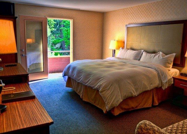 property Suite Bedroom Resort cottage Villa