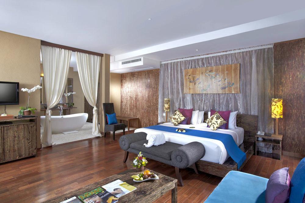 sofa property Suite living room home cottage Villa condominium Resort Bedroom flat
