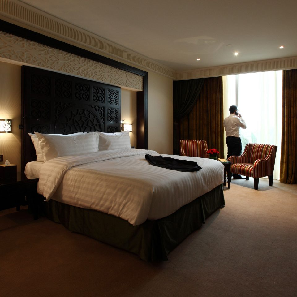 Bedroom sofa property Suite Villa Resort flat lamp