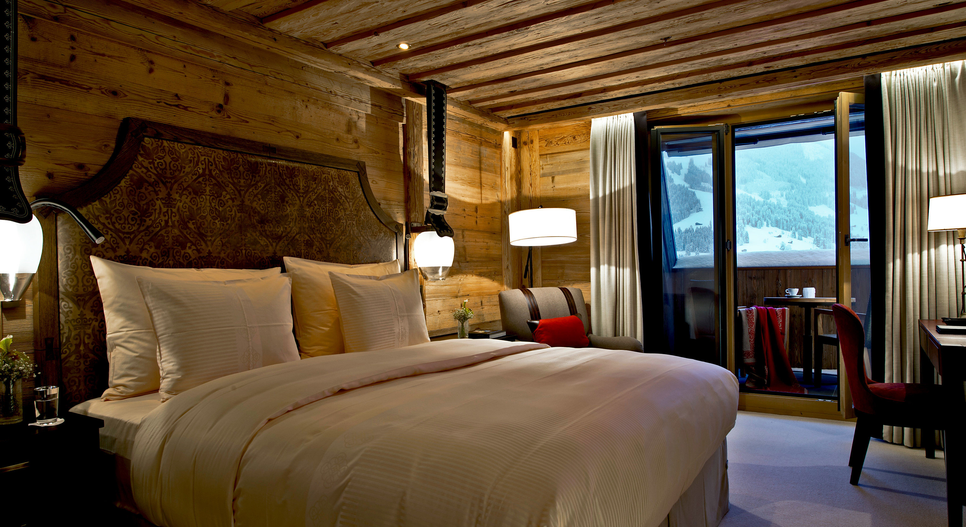 sofa property Bedroom Suite home living room cottage Resort Villa
