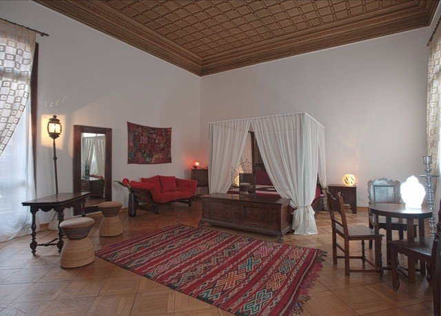 property Villa cottage living room Suite hardwood farmhouse Resort hacienda Bedroom