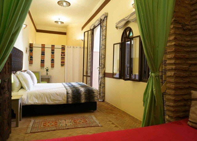 property green condominium home Villa curtain cottage Suite Bedroom living room mansion Resort