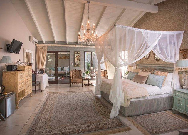 property Villa cottage Suite Bedroom home living room mansion Resort