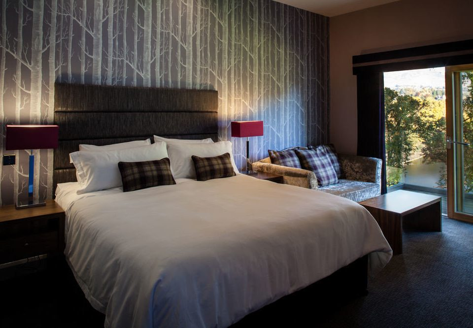Bedroom property Suite Resort cottage Villa lamp night