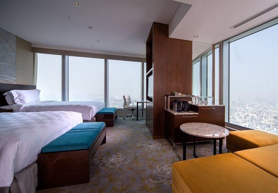 property Bedroom Suite Villa cottage home condominium Resort living room