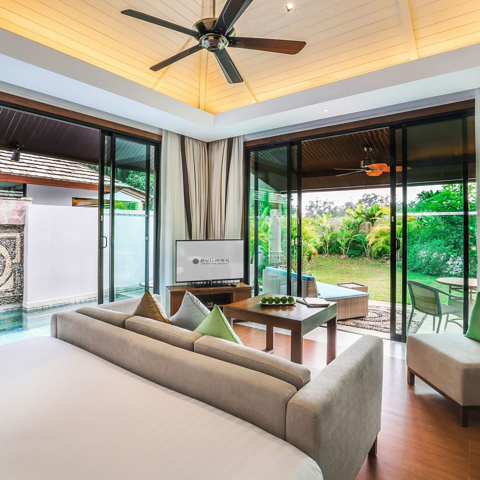 sofa property condominium living room home Resort Suite green Villa Bedroom cottage mansion