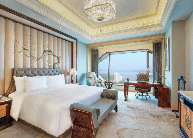 property Suite living room Bedroom home Villa cottage mansion Resort condominium