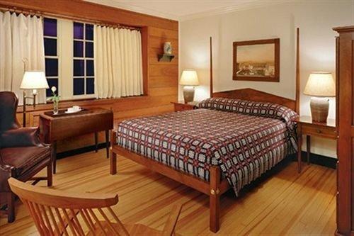 Bedroom property wooden Suite cottage hardwood Resort recreation room Villa