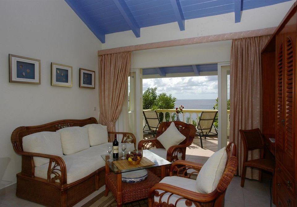 property Villa cottage Resort home Bedroom condominium living room Suite