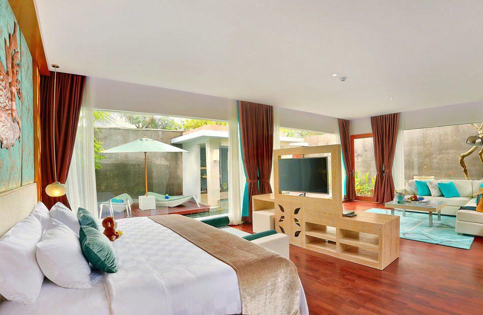 sofa property living room Bedroom house Villa Suite home cottage Resort mansion flat
