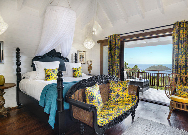 property Bedroom living room Villa cottage home yellow Resort Suite mansion farmhouse