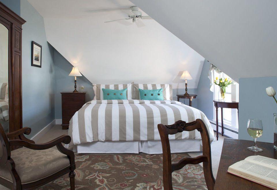 property chair Suite Villa cottage Bedroom home living room mansion farmhouse Resort