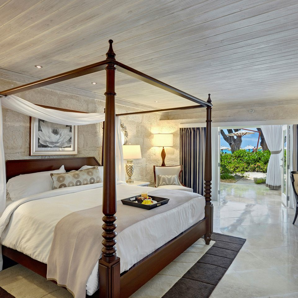Bedroom property home Villa cottage Resort Suite mansion