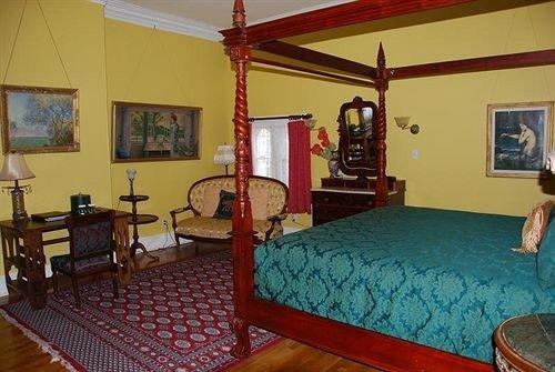 property cottage Villa recreation room Bedroom Resort Suite billiard room