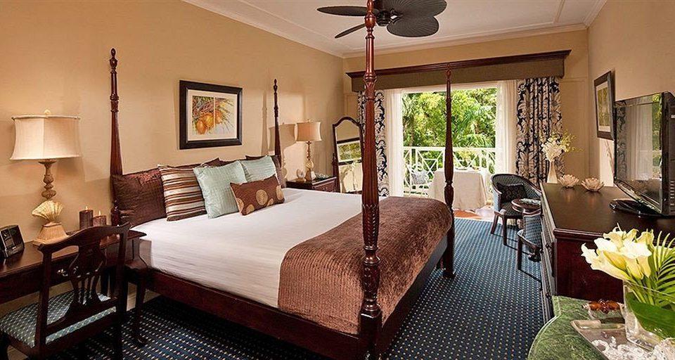 chair property Suite Bedroom Villa cottage home Resort living room mansion