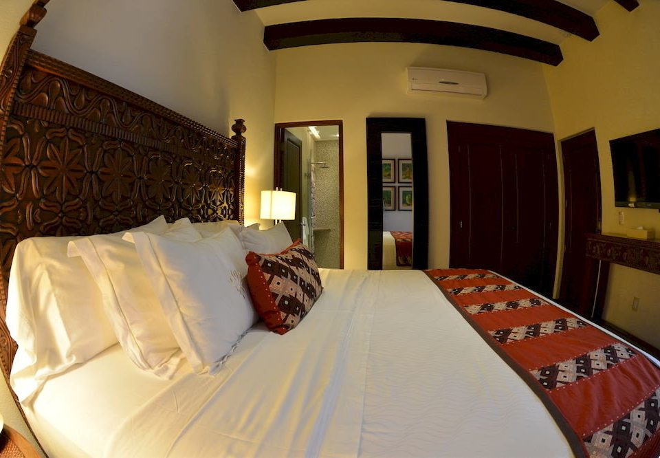 sofa property Bedroom Suite pillow cottage white Villa Resort bedclothes