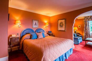 property Bedroom scene Suite Resort cottage Villa orange