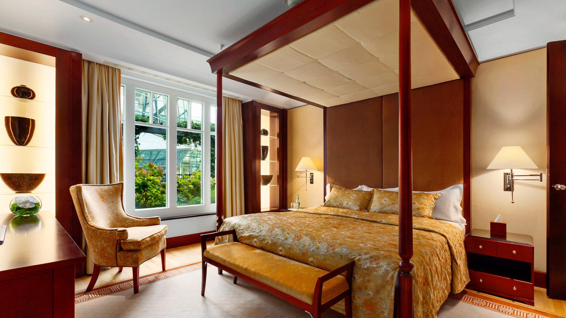 Bedroom Suite property living room home cottage Villa Resort condominium