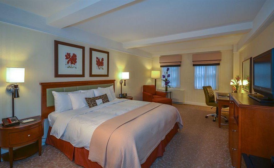 Bedroom property desk Suite cottage Resort Villa lamp