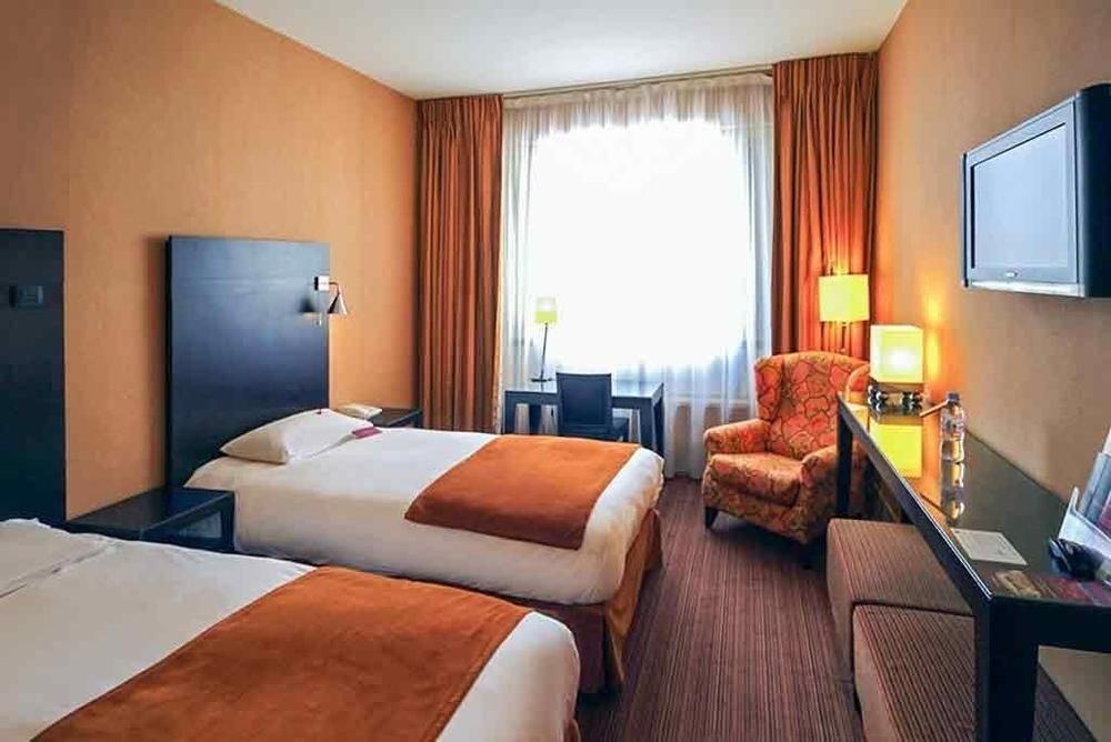 sofa property Suite Bedroom cottage condominium Resort Villa flat