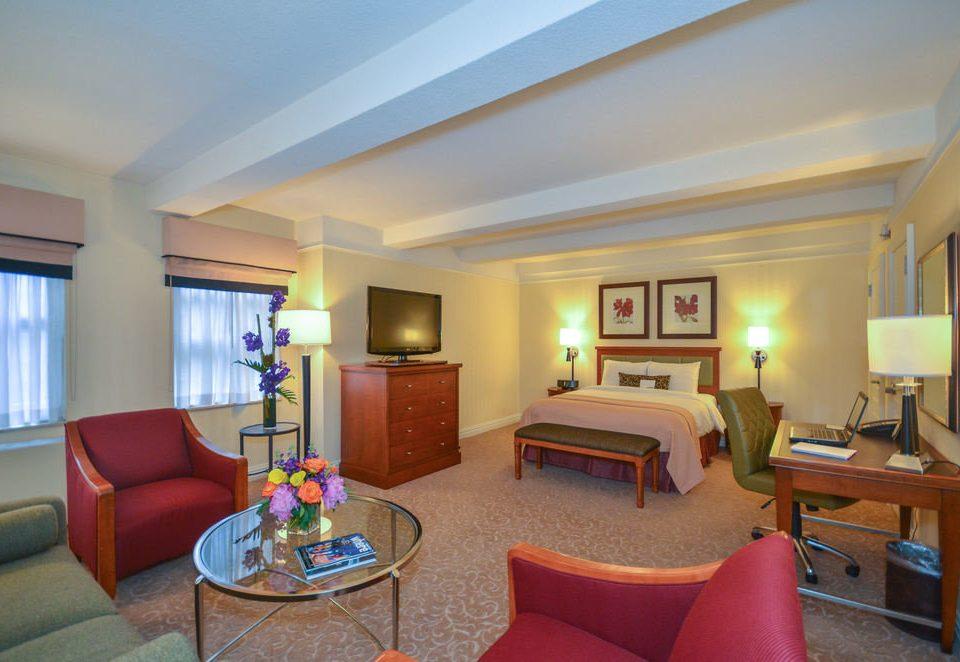 sofa property Suite living room Resort Villa condominium home cottage recreation room Bedroom flat