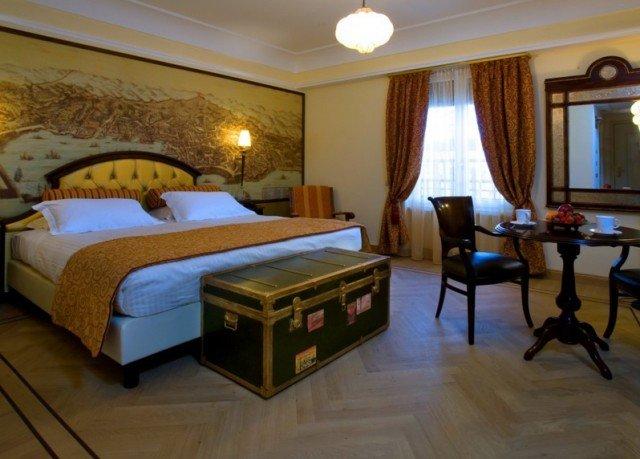 property Bedroom Suite Villa cottage Resort hard