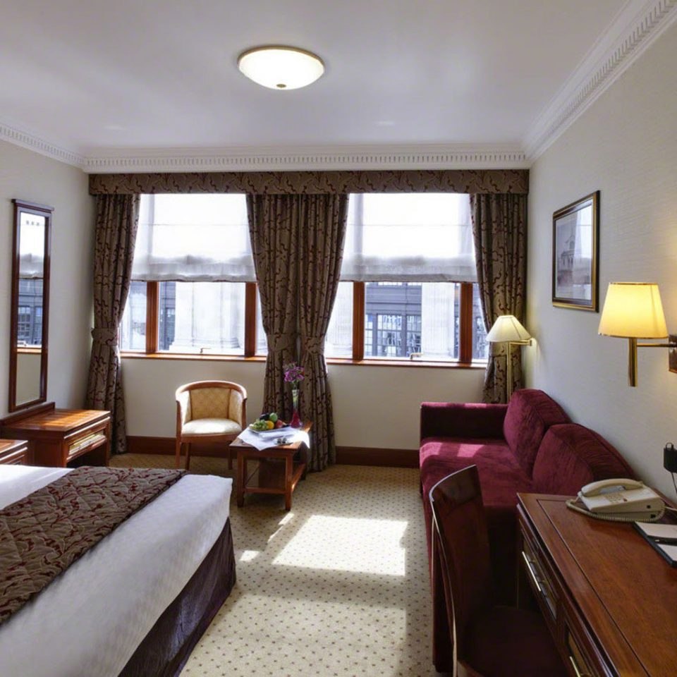 sofa property Suite living room condominium cottage Bedroom Villa Resort