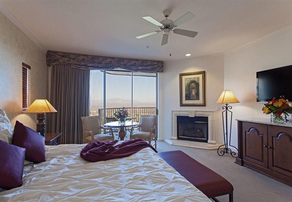Bedroom Resort property living room home cottage hardwood Suite Villa flat