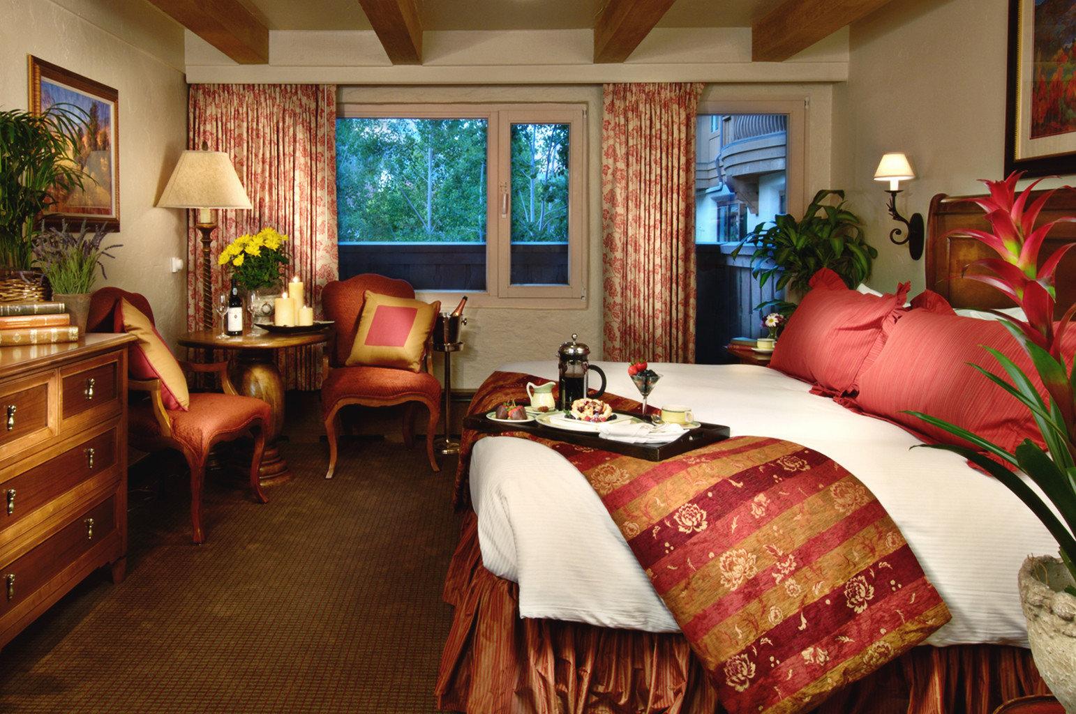 sofa property home Bedroom living room cottage Suite bed sheet Resort Villa
