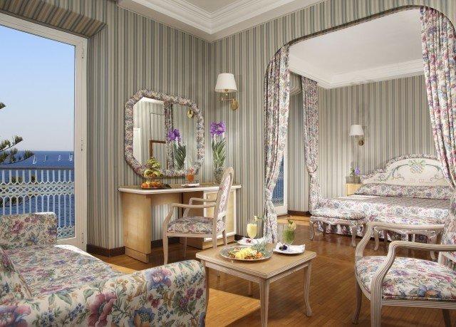 property living room Bedroom home cottage Suite Villa Resort mansion farmhouse